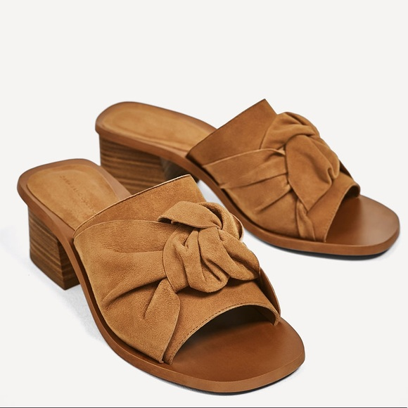 dffb019c9c6 Zara Suede Open Toe Knotted Brown Block Heel Mule